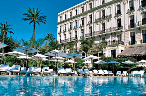 Бассейн отеля Royal Riviera