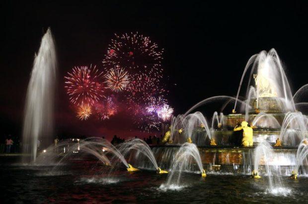 ночное шоу фонтанов в Врсале