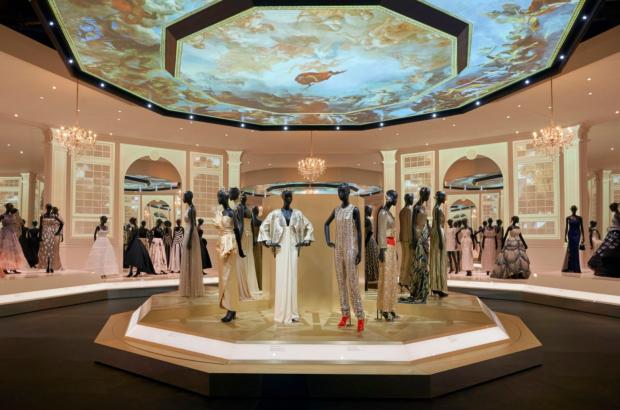 Выставка Диор: Дизайнер мечты